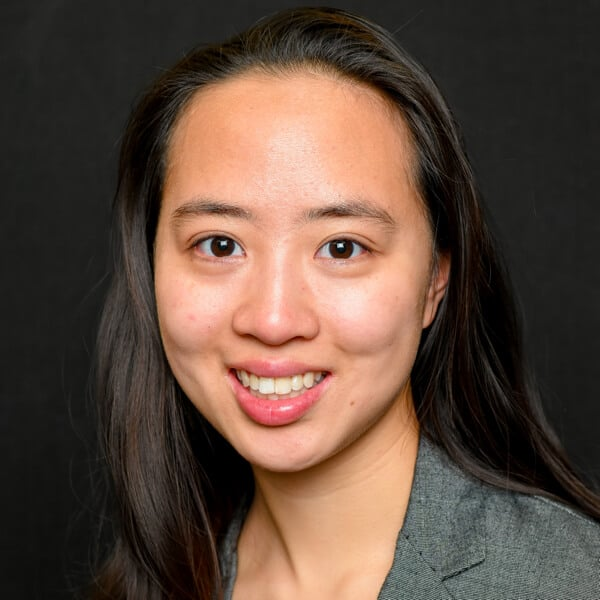 Amy Zheng Headshot
